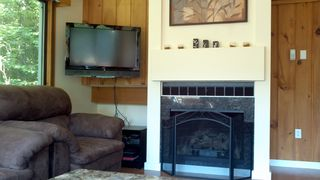 Lincoln townhome photo - Living room gas fireplace with flat screen TV
