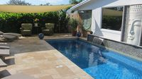 Red Palm 2 BR Villa w/Pool- Walk to Ave & Beaches