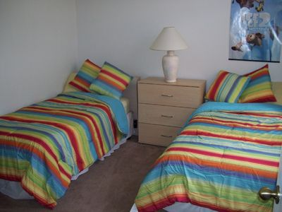 Bedroom 5 - twin beds