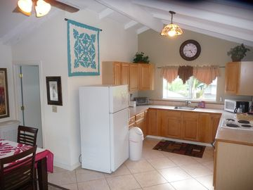 Fully Equiped Kitchen. Coffee maker, microwave, stove, toaster (upstairs)