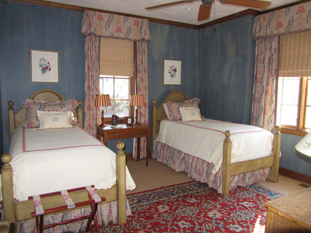 New England Style Bedroom Furniture Charming New England Style Lake Front Cottage Smith Mountain Lake