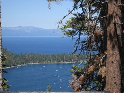 Beautiful Lake Tahoe is nearby (1.5 mi to the breathtaking blue lake)