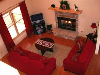 Ellijay cabin photo - Warm and cozy, perfect to spend time w/ loved ones