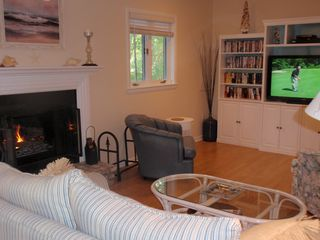 Bethany Beach townhome photo - Another view of the cosy living room.