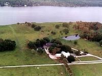 Beautiful  Waterfront 60  Acre Country Ranch, St. John's  River
