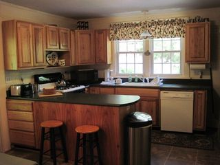 Black Mountain cabin photo - Fully appointed Kitchen