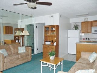 Forest Beach condo photo - Tropical Decor Through Out