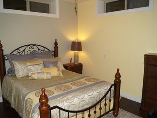 McCloud chateau / country house photo - A new bedroom with queen bed in the lower level.