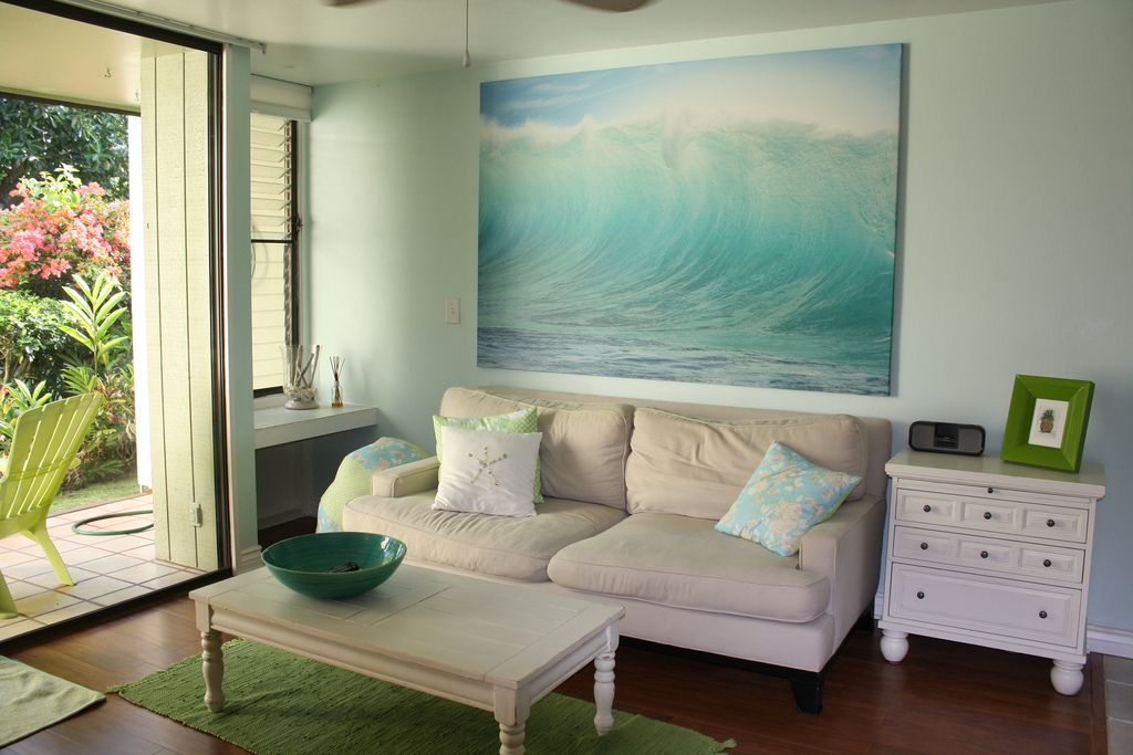 Beach house decor for How to decorate a vacation rental home
