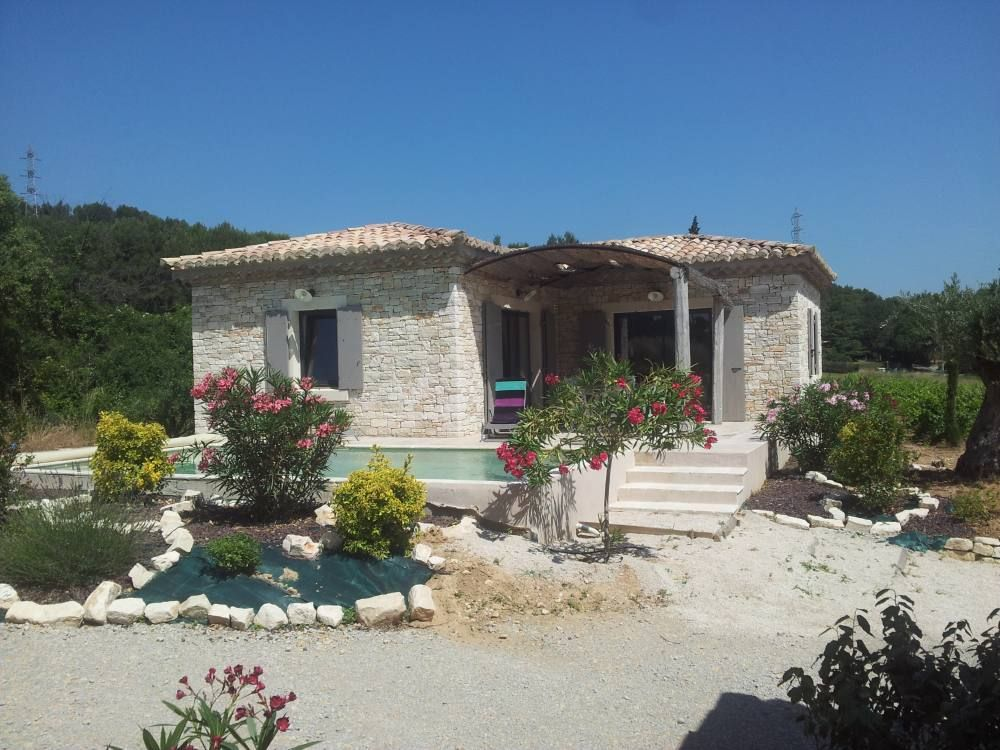 Air-conditioned accommodation, 80 square meters, close to the beach