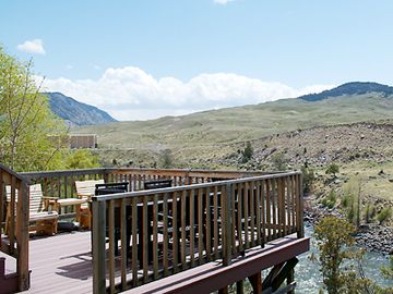 Gardiner house rental - Deck overlooking Yellowstone Park and Yellowstone River