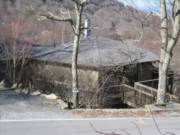 Beech Mountain house rental - Outside View with Mountains in Background