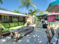 New listing - 1BR 1 block walk to Gulf beach and Johns Pass Parking incl