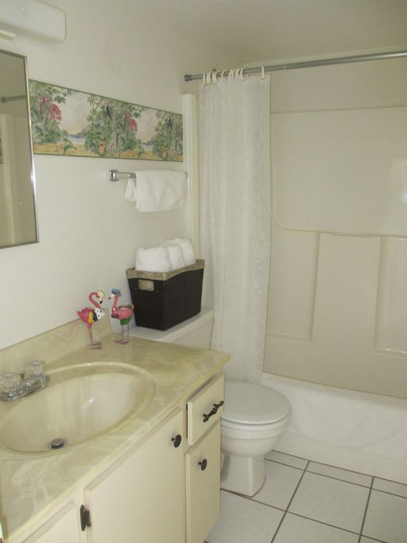 1st floor Guest Bathroom