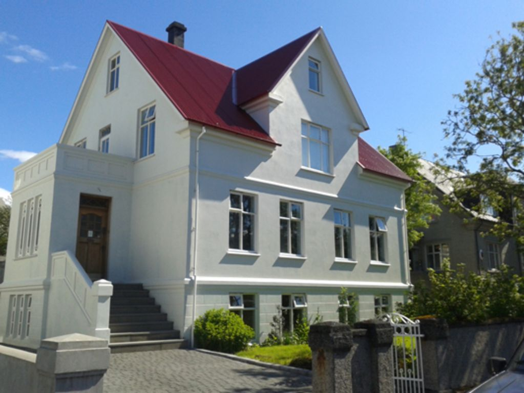 Visit Reykjavik and stay central at 32 Tungata