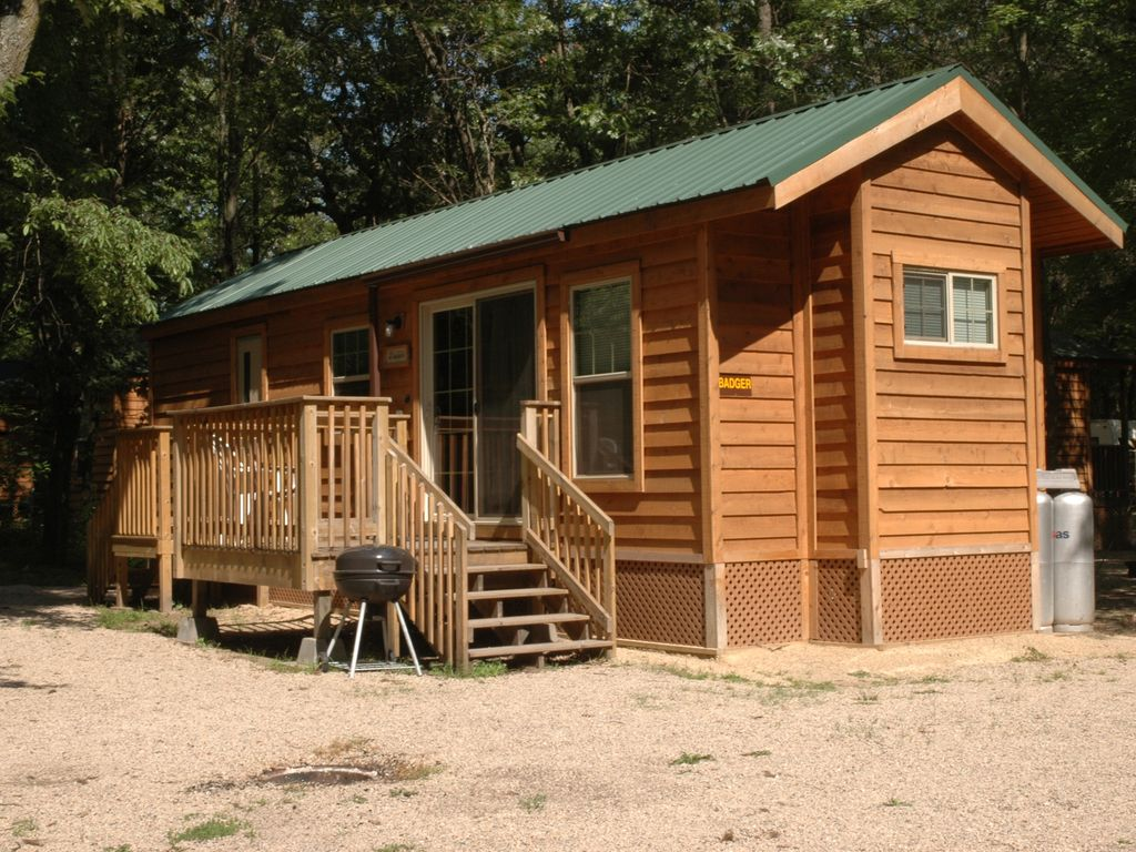 Cabins campsites resort on lake puckaway vrbo Campground cabin rentals