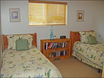Second Bedroom with Twin Beds or a Split King