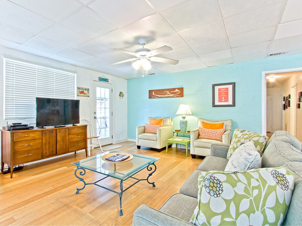 pet friendly beach cottage in tybee 39 s back vrbo
