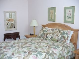Surf City townhome photo - Queen Bedroom faces pool, has private bath, cable tv