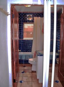 Porcelin Tub/shower newly Spanish tiled Bathroom