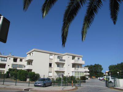 T2 apartment with terrace, near the beach, sleeps 4, 1 bedroom