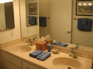Dana Point condo photo - Master Bath, Double Sinks & Private Tub Shower