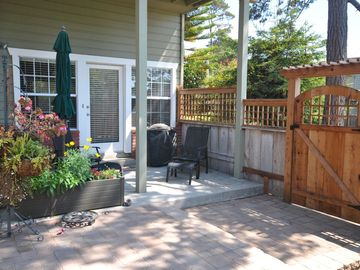 Cambria studio rental - Studio Suite entrance which is located on the ground floor of a two story home.