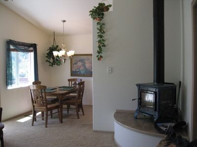 Fully Furnished Guesthouse On Small Working Farm 3 Miles Off Of I-5 In Sw Oregon