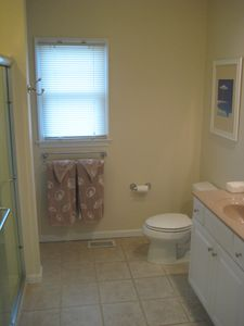 Harvey Cedars house rental - Master bedroom bath with double sinks and wide shower