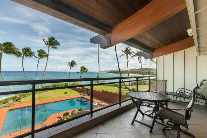 Beautiful Ocean Front Penthouse on the East side of Kauai