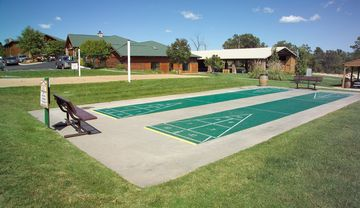 Shuffleboard, volleyball and basketball courts to enjoy.