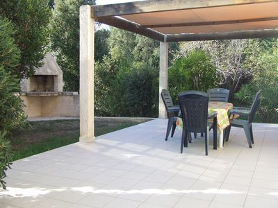 Rez of roomy and comfortable garden, on 3000m2 of enclosed ground, with 3kms d' an immense sand beach end
