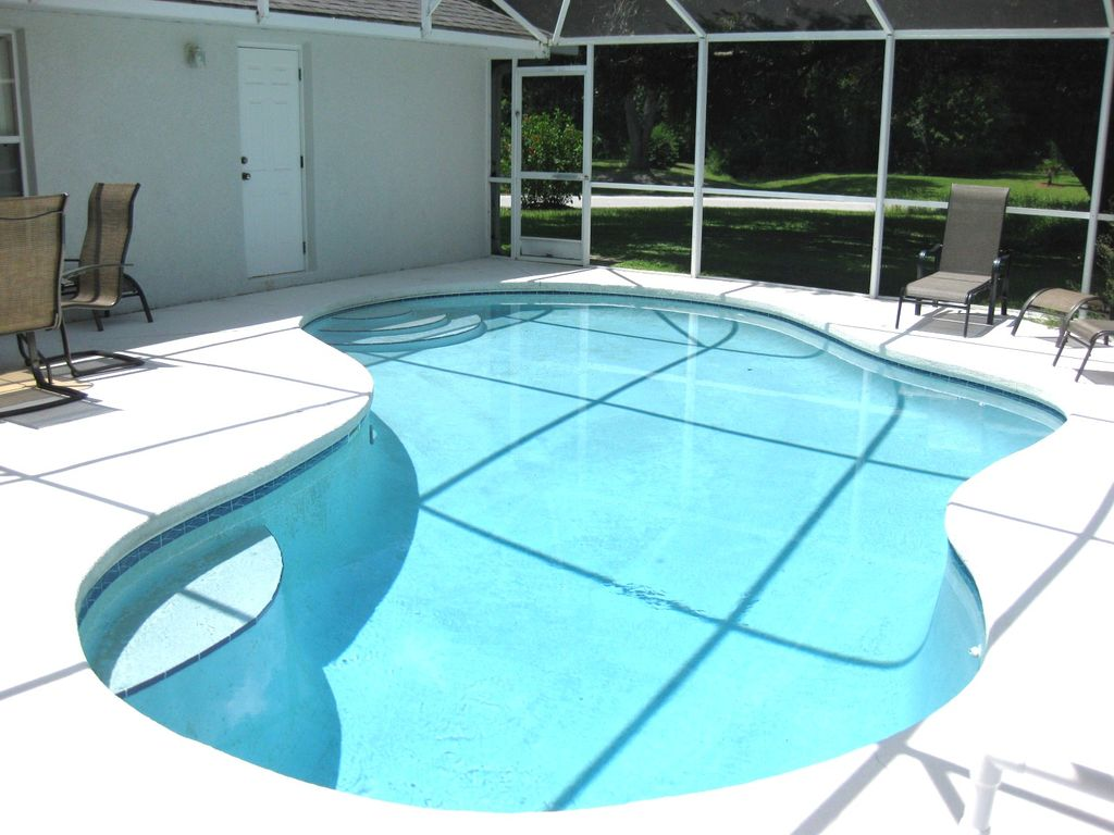 Screened in pool - has a heater for the cooler months