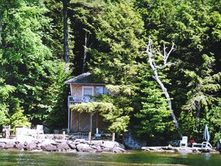 Alton Bay cottage photo - Waterfront privacy