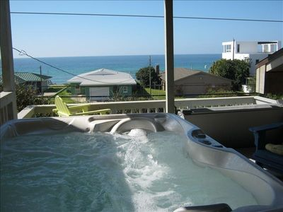 Look sttraight out at the Gulf of Mexico from brand new Hot Tub