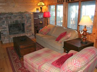 Big Bay cabin photo - Comfortable Living Room