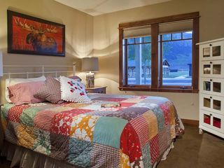 Crested Butte townhome photo - Queen Room