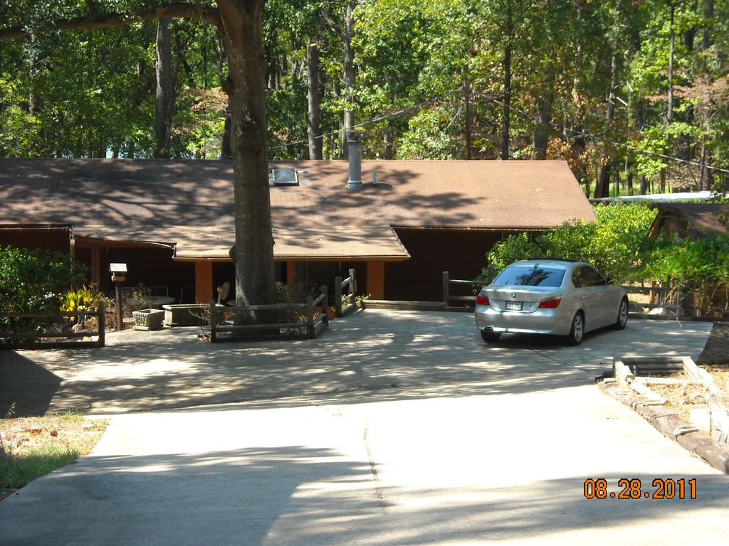 Lake front vacation rental homeaway lake o the pines for Lake o the pines fishing report