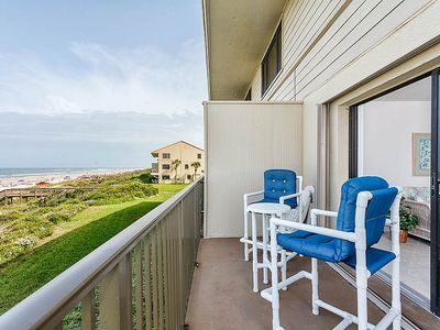 The oceanfront balcony, always irresistible! - Step out to the balcony at any time of day or night and savor the sound of the surf, the whiff of brine in the breeze, and the vast expanses of the Florida sky.
