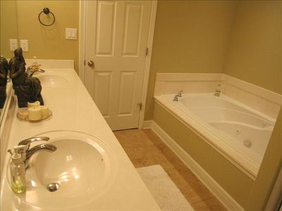 Master Bath with Jacuzzi Tub!!