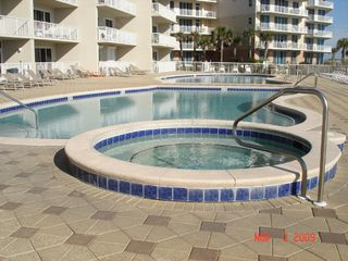 Fort Walton Beach condo photo - Spa + Heated Pool + Cold Pool (3 pools total) + Gulf of Mexico