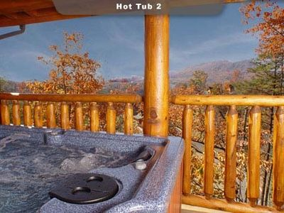 Enjoy the Hot Tub while sipping a glass of wine and watching the Fall foliage.