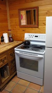 Joshua Tree cabin rental - Kitchen stove/oven