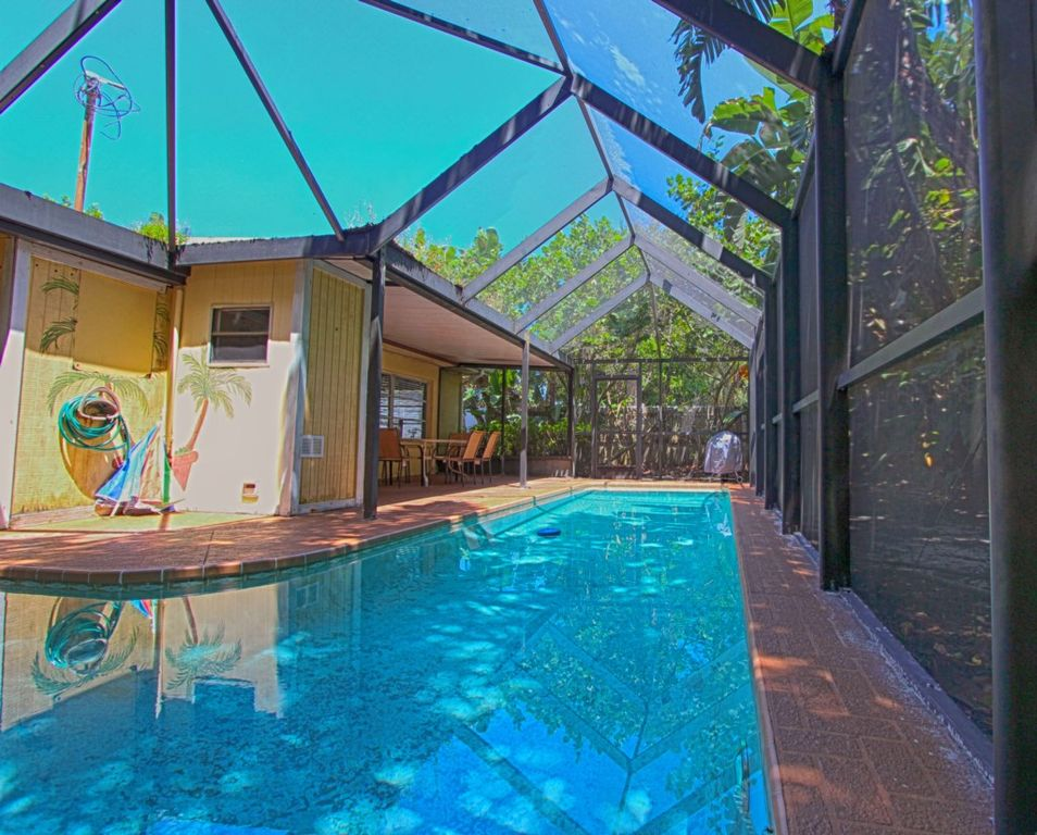 Vacation rental home with private pool in vrbo for Vacation rentals with private swimming pool