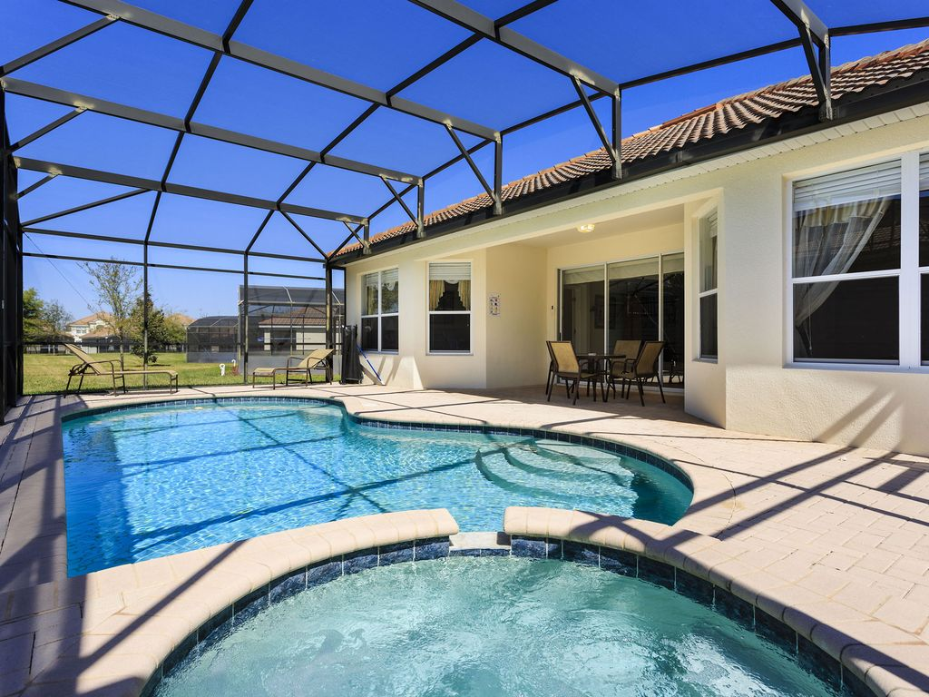 Magical pool home with family games room vrbo for Florida pool homes