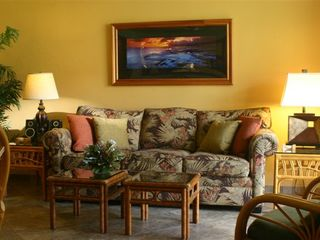 Kaanapali condo photo - Additional view of living area. Recliner in living area (also with ocean view!)
