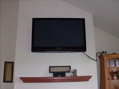 52 inch flat screen with surround sound