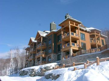 Condo in winter: ski-in/ski-out