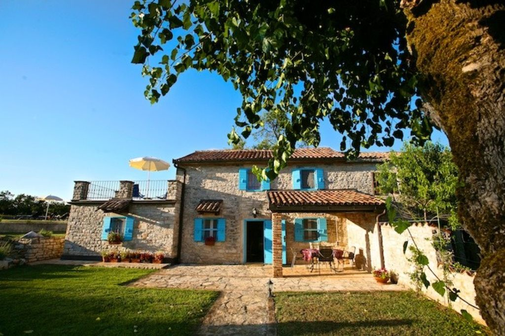 Accommodation, 100 square meters, with pool