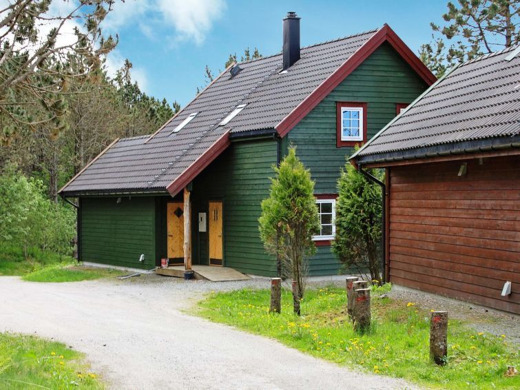 Vacation home Kvalheimsneset  in Bøvågen, Southern Fjord Norway - 10 persons, 5 bedrooms